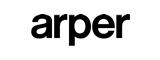 Das junge Unternehmen Arper, gegründet 1989 in Italien, erwarb in kurzer Zeit Ansehen und Vertrauen am internationalen Möbelmarkt: mit Design, Innovation, hoher Qualität und Sorgfalt im Detail. Bekannt ist Arper für ein abwechslungsreiches Portfolio von Stühlen und Tischen, das den Anforderungen und Tendenzen des internationalen Marktes entspricht. Gutes Design ist für Arper eine Synthese aus Technik, Material, Funktion, Geschmack, Gebrauch und Nachhaltigkeit. Bei der Gestaltung von Objekten konzentriert man sich auf das Wesentliche, das Essentielle. Präzise, konzentrierte Formen, die nach außen leicht und spontan wirken, in denen aber kulturelles Wissen konzentriert ist, charakterisieren das Portfolio der Marke. Die ständige suche von Arper nach neuen, originellen Sitzmöbeln und Tischen wird durch eine langjährige Zusammenarbeit mit dem Designerstudio Lievore, Altherr, Molina in Barcelona geprägt, zu dem 2004 die Handschrift Rodolfo Dordonis hinzugekommen ist. Arper wurde im Jahr 1989 in Italien gegründet und war ursprünglich eine Lederwerkstatt. Dank des Knowhows im Bereich der Lederbearbeitung, etablierte sich das relativ junge Label rasch mit eigenen Lederkollektionen. In den 1990ern begann der Hersteller die Produktpalette zu erweitern und Möbel aus anderen Materialien zu entwerfen, z.B. aus Aluminium oder Kunststoff. Die Artikel aus dem Hause Arper sind innovativ, ausgewogen und vielseitig einsetzbar. Die funktionalen Kollektionen sind sowohl für den Gebrauch zuhause als auch im Büro oder im öffentlichen Bereich geeignet, outdoor wie indoor, und wird jede Umgebung in einen warmen, einladenden Ort verwandeln. Mit der Serie Catifa wurde gemeinsam mit Livore, Altherr, Molina eine Serie geschaffen, die heute schon als ein neuer Klassiker bezeichnet werden kann.